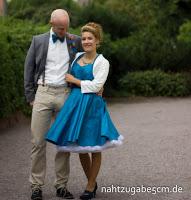 https://nahtzugabe5cm.de/2017/10/schwesternhochzeit-ihr-standesamtkleid/
