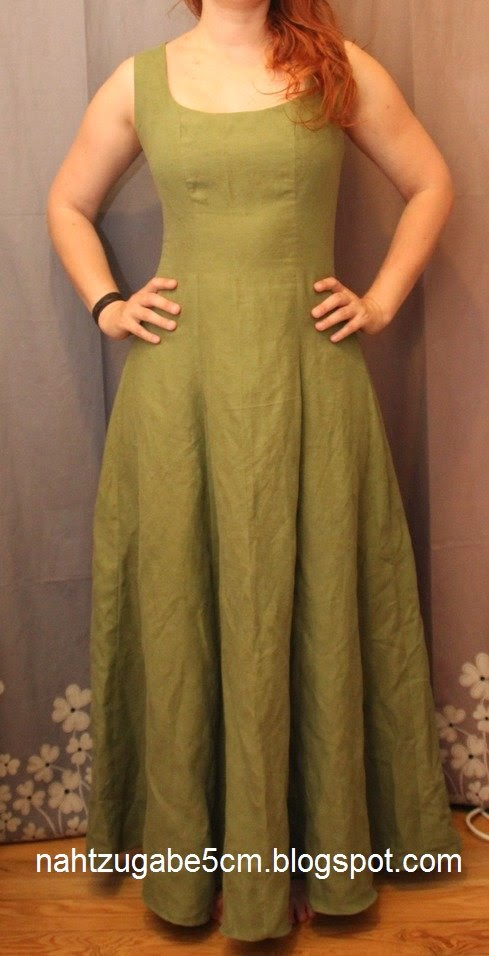 https://nahtzugabe5cm.de/2014/10/grunes-bodenlanges-kleid-burda/