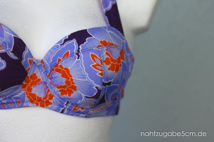Detailfoto vom Bikinioberteil. Der BH Cup besteht aus drei Teilen.